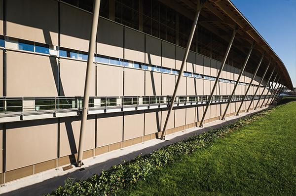 Grande esempio di progettazione di facciata continua per la sede Technogym di Cesena.