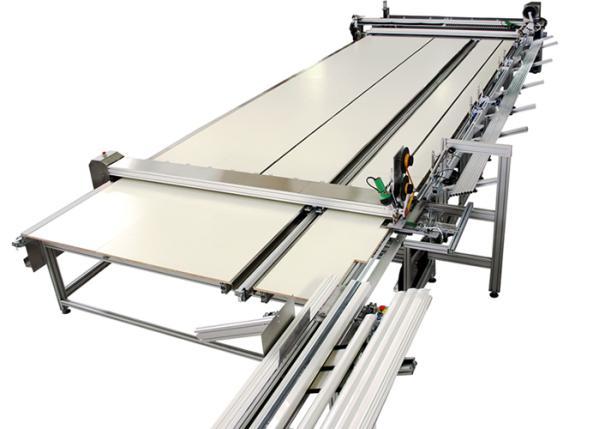 SM-520-ZA Impianto automatico per la produzione di zanzariere avvolte su barre e realizzazione di teli completi a misura / SM-520-ZA Automatic system for manufacturing complete, custom insect screens rolled on bars