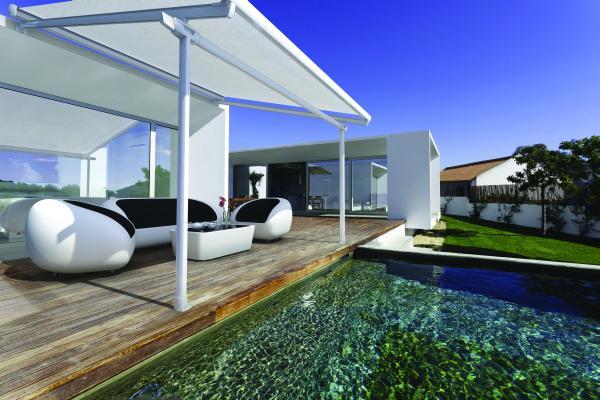 EOS - Sistema veranda che raggiunge i m.5x5 per una protezione solare e termica. Grazie alla lieve inclinazione facilita lo scolo dell'acqua.