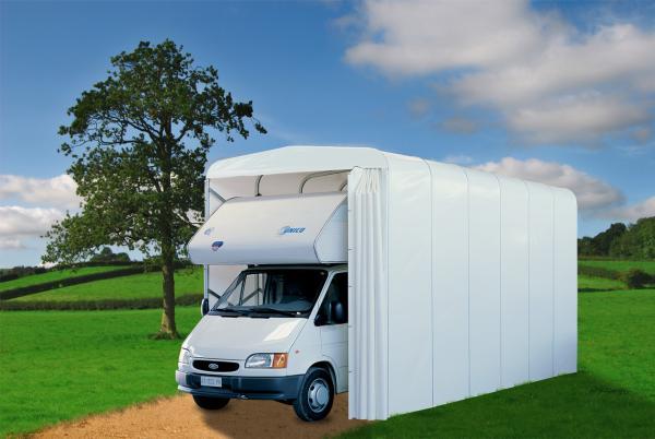 Il Caravan Box è un tunnel estensibile per camper, la cui caratteristica principale è di portersi aprire e richiudere su se stesso in pochi istanti, nonostante le considerevoli dimensioni.