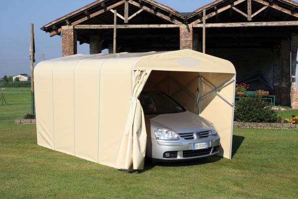 Il Box Tunnel è la classica copertura per automobili a tunnel estensibile, che permette di proteggere le vetture dal sole e dal cattivo tempo (pioggia, grandine).