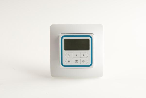 VIVALDI - Trasmettitore/Timer a 433,92 MHz.  Silhouette quadrata, funzione timer integrata, supporto a parete con soli 18 mm di spessore. / VIVALDI - 433.92 MHz wall-mounted transmitter/timer.