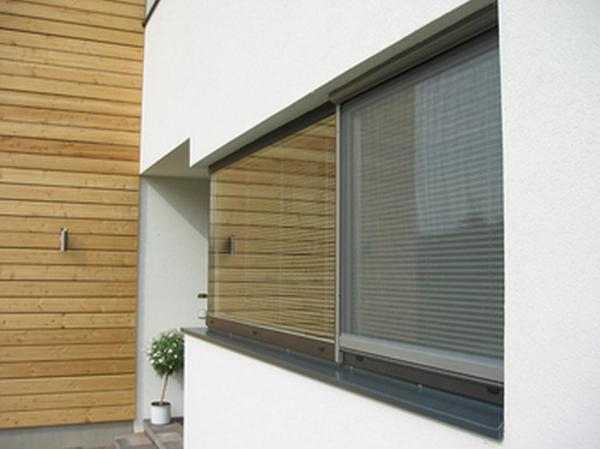 ZANZARIERE di HELLA: protezione perfetta dagli insetti, adatta per ogni tipo di porta o finestra, per qualunque fascia climatica e tipologia di edificio.