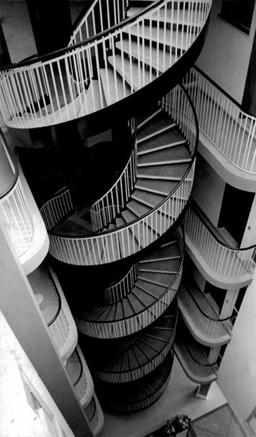 Architettura moderna al maxxi la mostra dedicata a michele valori architetti - Portale architetti roma ...