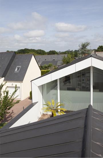 Pelle architettonica abitazione unifamiliare su progetto for Piani di casa architettonica