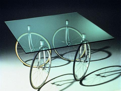 Triennale design museum ricorda gae aulenti con una mostra for Oggetti per architetti