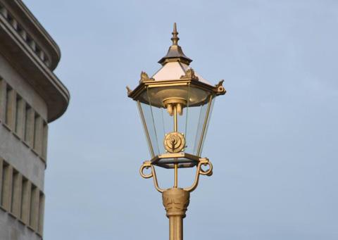 Illuminazione pubblica a Led. A Lipsia, un nuovo progetto per i lampioni storici - Arredo urbano
