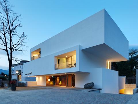 Architettura contemporanea e turismo un incontro a for Case architettura moderna