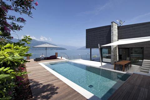 Una splendida vista sul lago maggiore e vmzinc in for Disegni casa sul lago con vista sul lago