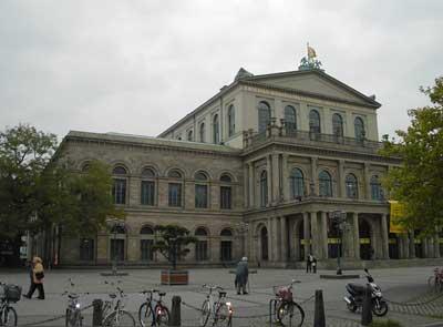 Oper Hannover Bild 8 gedreht Ridurre i costi di manutenzione degli edifici pubblici con i sistemi Triflex