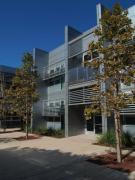 Forma, ombreggiante, tecnologia ed energia: l'efficienza attraverso mezzi architettonici o impiantistici?
