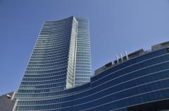 650 tende vestono il grattacielo più alto d'Italia