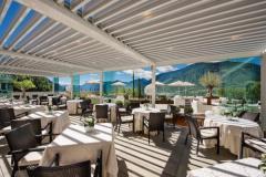 Sulle Alpi il comfort e l'eleganza della pergola bioclimatica Vision di Pratic